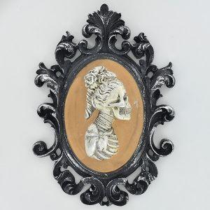 3D female skeleton portrait frame