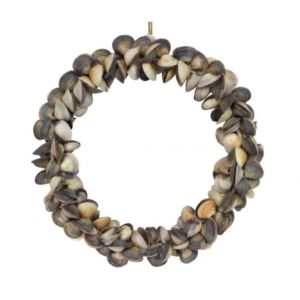 Natural cockle shell sea shell wreath Gisela Graham