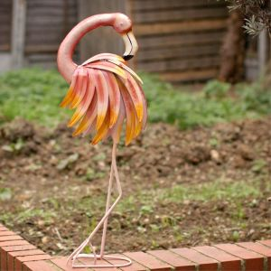 tall-metal-pink-flamingo